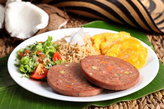 Cunit - Arroz con coco y rollo de carne