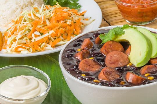 Cazuela de frijoles negros con Chorizo Cunit