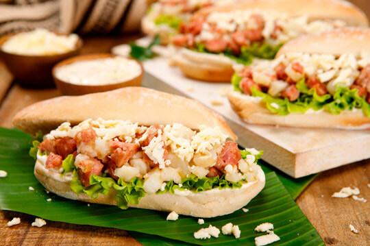 Pambazo con Chorizo